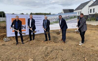 Erster Spatenstich zur Errichtung drei neuer Mehrfamilienhäuser in Brühl